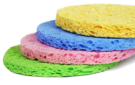 different colours of circular sponges to show different types of natural Konjac Sponges available